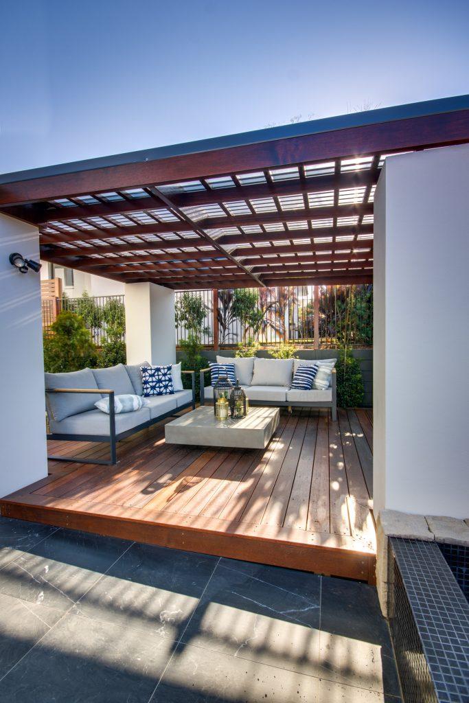 Pool side Pergola Design - Brisbane, Gold Coast & Sunshine Coast